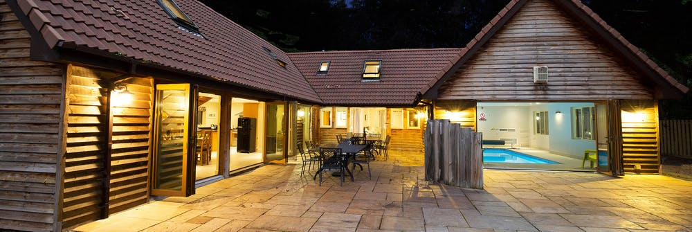 About ramscombe somerset holiday lodge with pool sleeps 12 for Red lodge swimming pool timetable