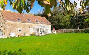 Spikhatch Barn & garden in the sun