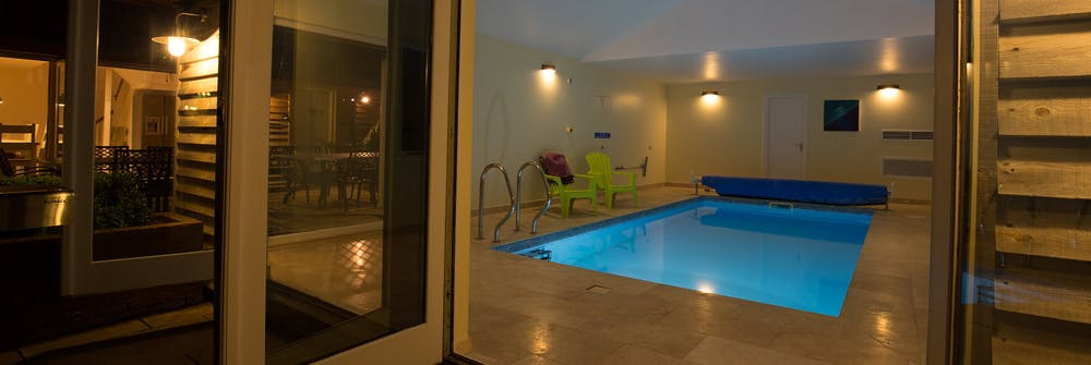 sleeps 14 in Somerset with private indoor pool