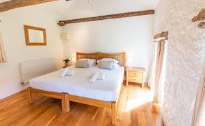 Dippers Rest, Stonehayes Farm - Bedroom 2 is on the ground floor and can be a superking or twin room