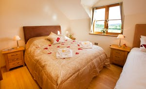 Wayside: Bedroom 3 sleeps 3 in a king size and a single bed
