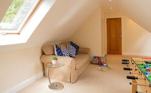 Foxcombe - Space on the landing to relax and play