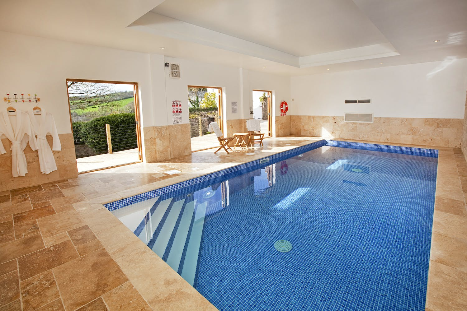 Large holiday homes with indoor swimming pools holiday - Large holiday homes with swimming pool ...