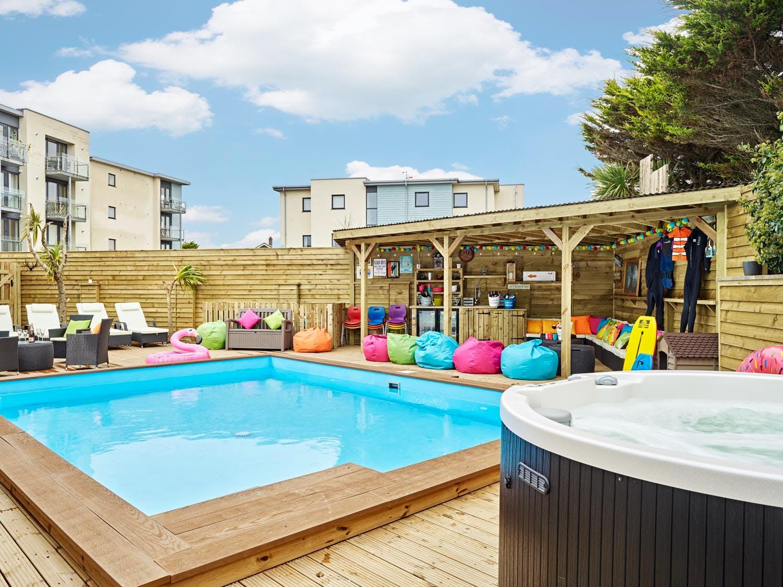 Gallery halula beach house cornwall halula properties for Terrace pool