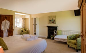 Pound Farm - Bedrooms 1: Superking or twin, plus room for an extra single bed