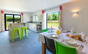 Fuzzy Orchard - Light, modern and colourful styling in the kitchen/diner