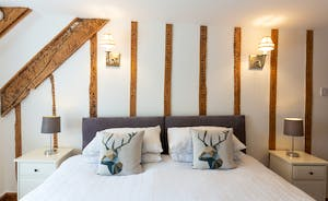 Frog Street: Country chic in the Willow Room (Bedroom 4)