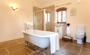 Butterpot: what a lovely bathroom!