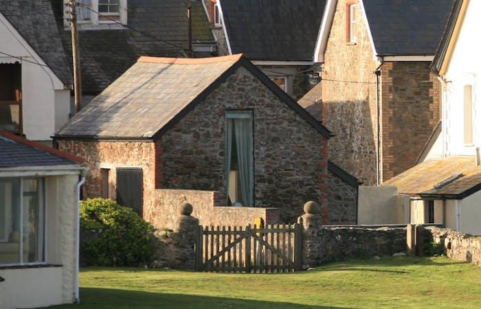 Banner chauffeurs cottage 3.original.jpg?ixlib=rails 2.1