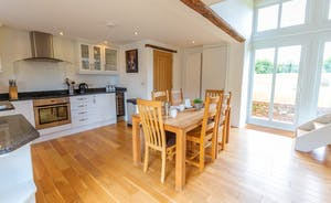 Pipits Retreat, Stonehayes Farm - The ground floor is light and airy and open-plan