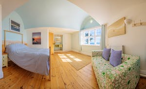 Room 4 - spinnakers - great sea views