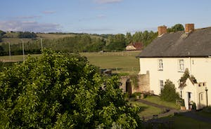 Pound Farm - Fresh air, peace and quiet - and gorgeous country views all around