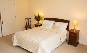 The Old Rectory - The Hellier Suite is on the first floor with an en suite bathroom; calm and relaxing