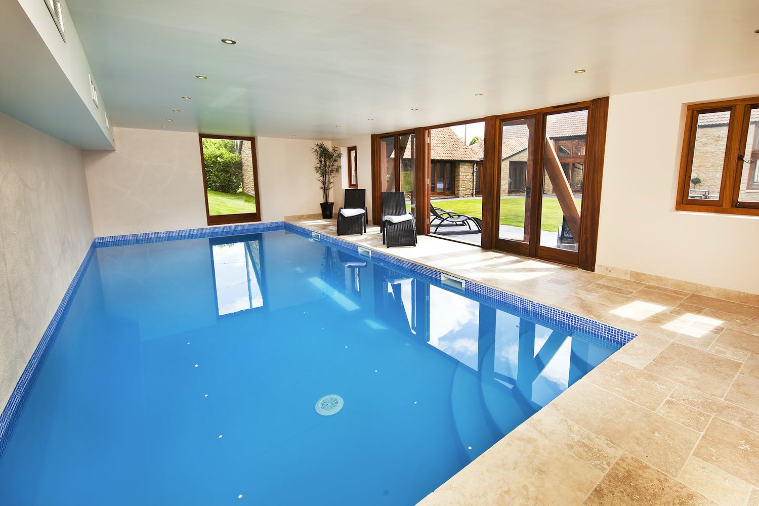 Gallery coat barn somerset sleeps 12 - Holiday homes with indoor swimming pool ...