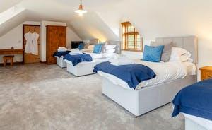 Bedroom 5 sleeps 4 in 2 x super king zip and link beds