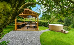 Pitsworthy - There's a covered outdoor kitchen with a fantastic outdoor cooker that doubles up as a pizza oven and smoker