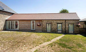 Whinchat Barns - Dippers Rest: From old farm building to stylish holiday cottage for 6