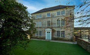Hesdin Hall - Big and beautiful, for group holidays in the UK
