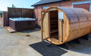 Hot Tub & Sauna
