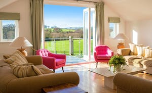 Fuzzy Orchard - A very relaxing living room with gorgeous views over the valley.
