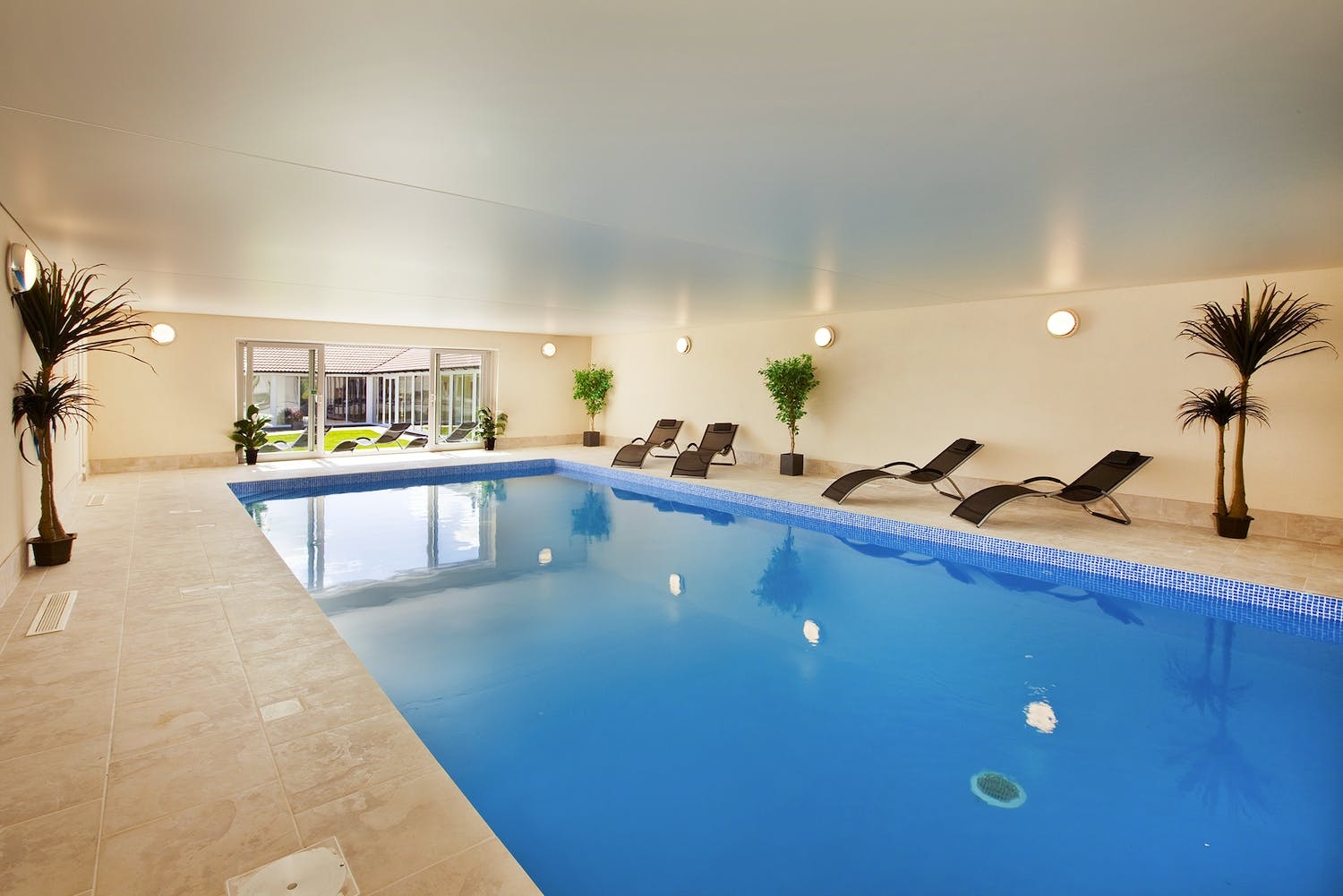 Amazing Large Holiday Homes With A Private Indoor Pool Holiday Download Free Architecture Designs Scobabritishbridgeorg