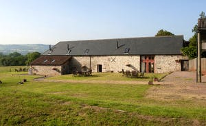 Pipits Retreat, Stonehayes Farm: Holidays for 5 in the beautiful East Devon Countryside
