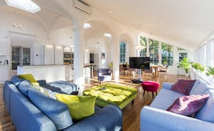 Pitmaston House - Sumptuous comfy sofas and a big flatscreen TV with Sky