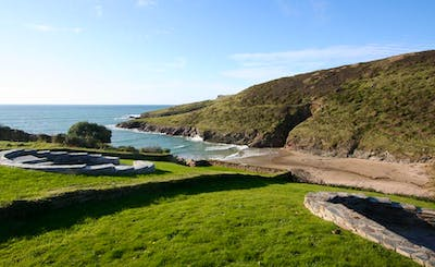 Short Breaks at Wavecrest, New Polzeath