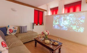 Dustings - There's a cinema room, games room and snooze space for up to 16