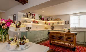Hesdin Hall - You can't beat a light, bright  and stylish kitchen