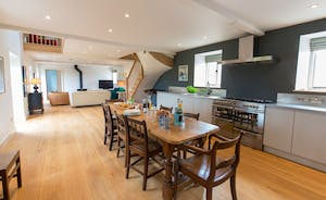 House On The Hill - Your own space: with a spacious open plan kitchen/sitting room; ideal for a family or for grandparents