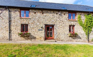 Whinchat Barns - Wagtail Corner sleeps 5 in two bedrooms