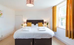 Culmbridge House - Bedroom 1: Beds are zip and link so you can have a superking or a twin room