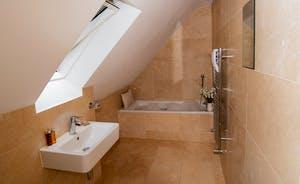 Foxcombe - En suite bathroom for Bedroom 4