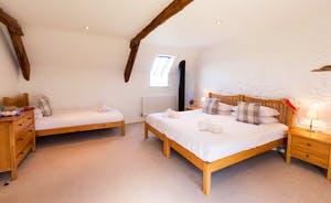 Wagtail Corner, Stonehayes Farm: Bedroom 2 can sleep 3 people