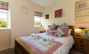 Kingsize Bedroom at Railway Cottage