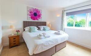 Fuzzy Orchard - Bedroom 2: Light and airy - and thoroughly modern
