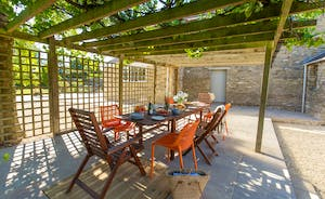 The Plough - Have lunch or a barbecue beneath the arbour