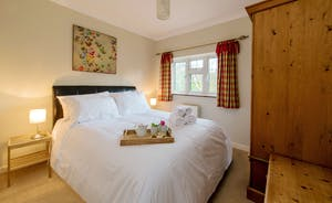 Garden Court - Bedroom : Another calm and restful room