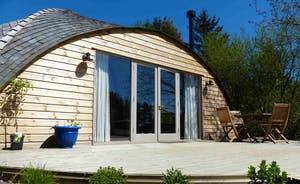 Orchard Cottage & decking area
