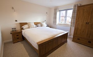 Quantock Barns - The Wagon House: Bedroom 2 has a superking bed and an en suite bathroom