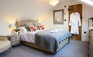 King size bedroom with en-suite shower room