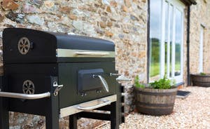 Dippers Rest, Stonehayes Farm - Fire up the barbecue on those hot sunny days