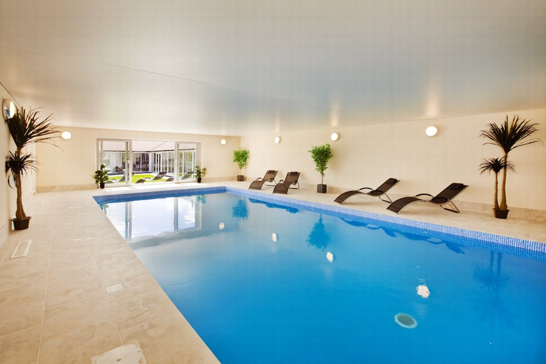 Swimming Pools Holiday Ideas Sleeps 12