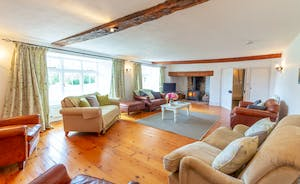 Pippinsands, Stonehayes Farm - The drawing room is calm and spacious; equally good for afternoon tea or a movie night