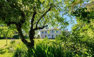Asham House - Country House That Sleeps 12 For Family Holidays