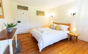 Pippinsands, Stonehayes Farm - Bedroom 4 has a double bed, and an en suite loo.