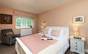 Pitsworthy: Bedroom 1 sleeps 2 and has an en suite shower room