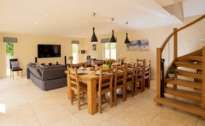 Foxcombe - Great for entertaining - plenty of room and a big table to seat all 14 guests