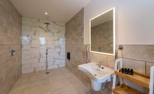 Croftview - Bedroom 1 (Robin) has an en suite wet room